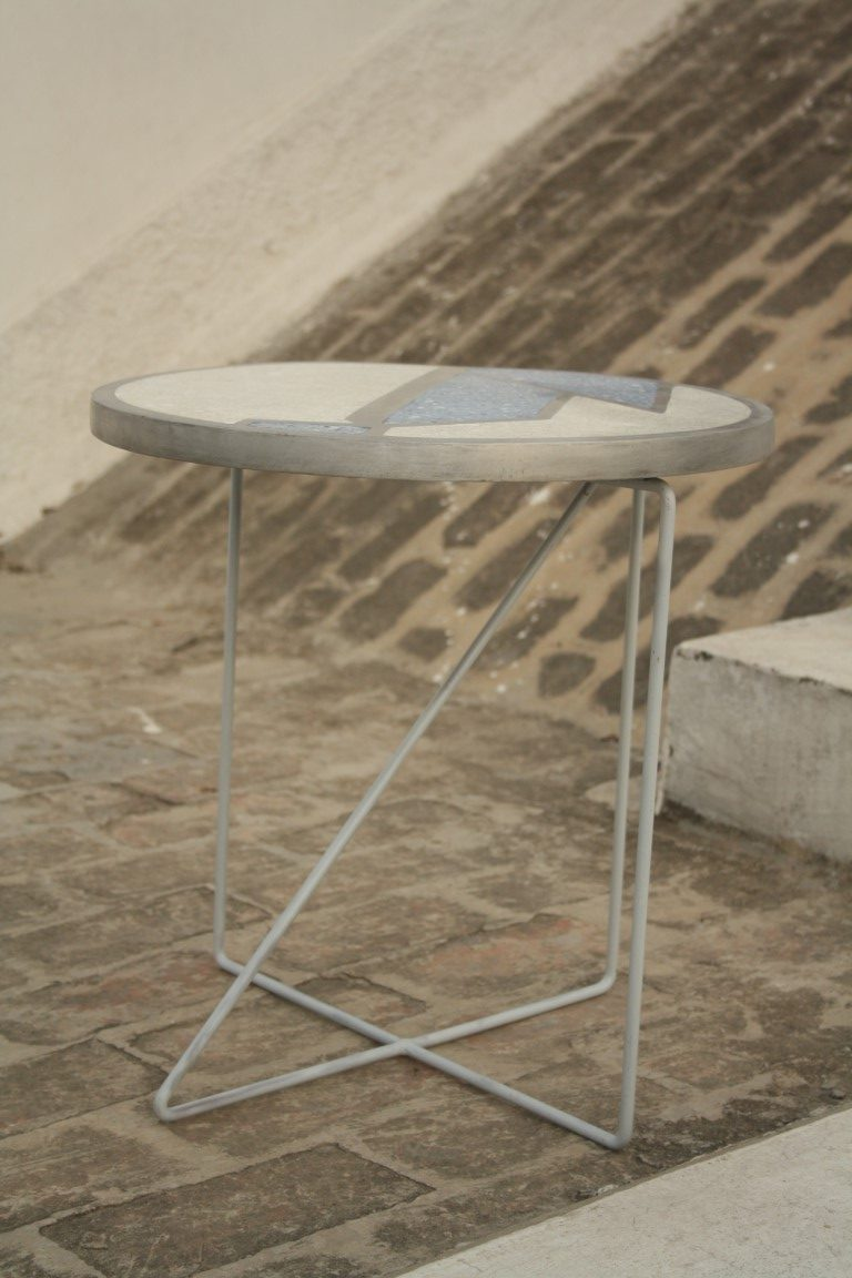 Bahaus table